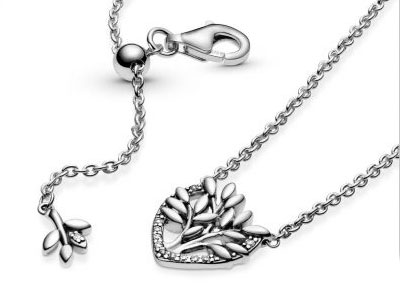52-399261C01-Pandora-Heart-Family-Tree-Necklace.jpg